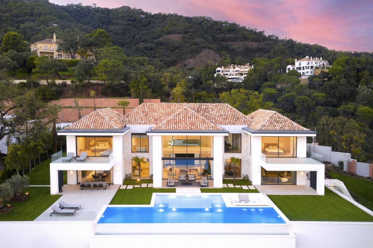 Villa en Venta en El Madroñal – R3847891