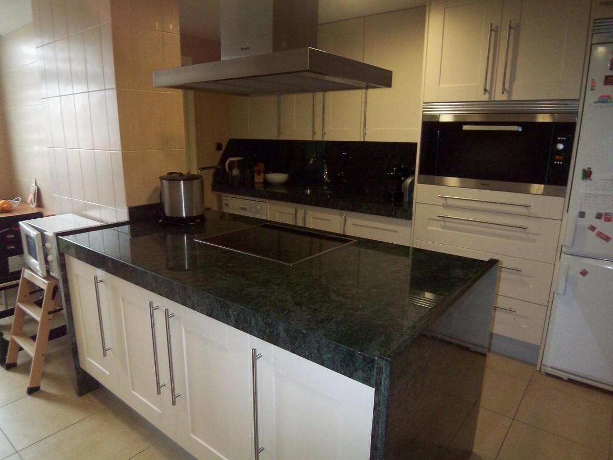 Apartamento Planta Baja  en venta en  Marbella, Costa del Sol – R722279
