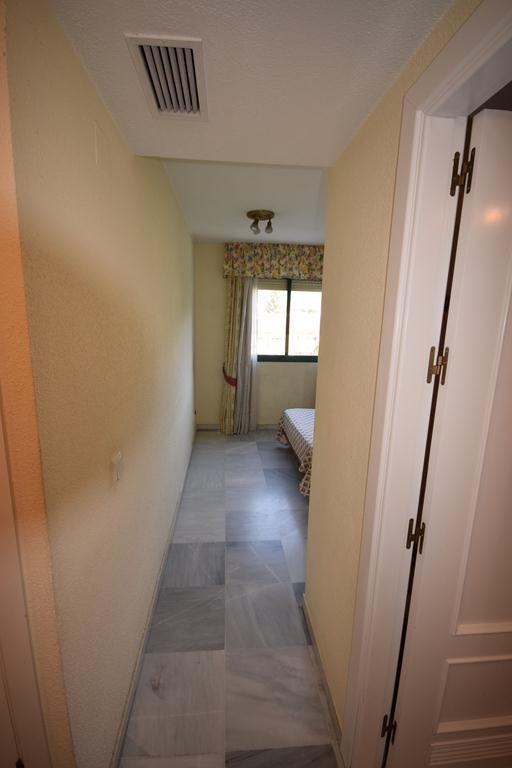 Middle Floor Apartment  for rent in  Marbella, Costa del Sol