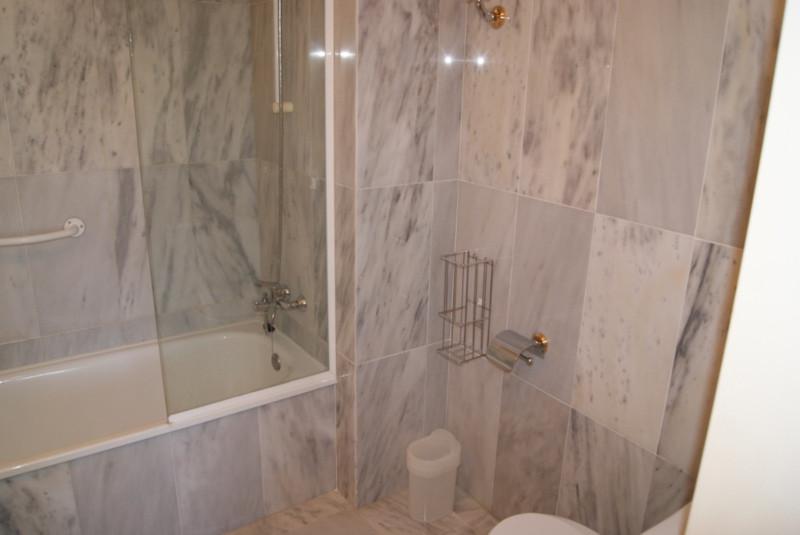 Apartamento Planta Media  en venta en  Río Real, Costa del Sol – R2269934