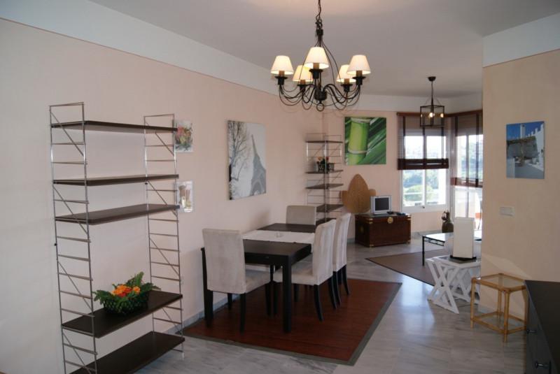 Apartamento Planta Media  en venta en  Río Real, Costa del Sol