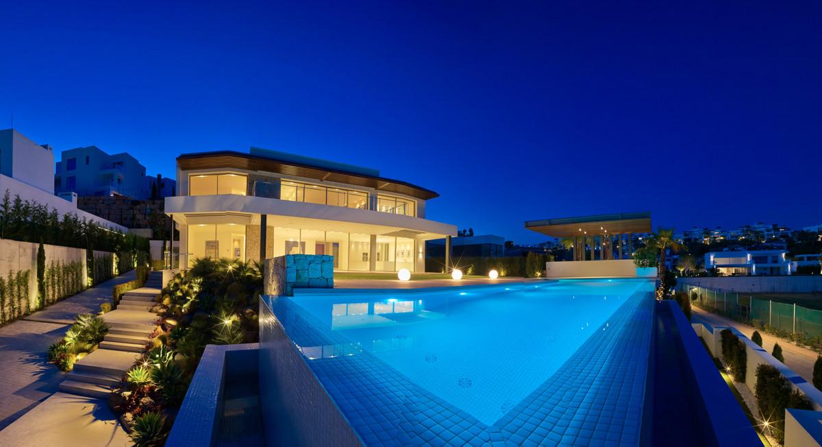 Villa zum Verkauf in Benahavís – R3792472