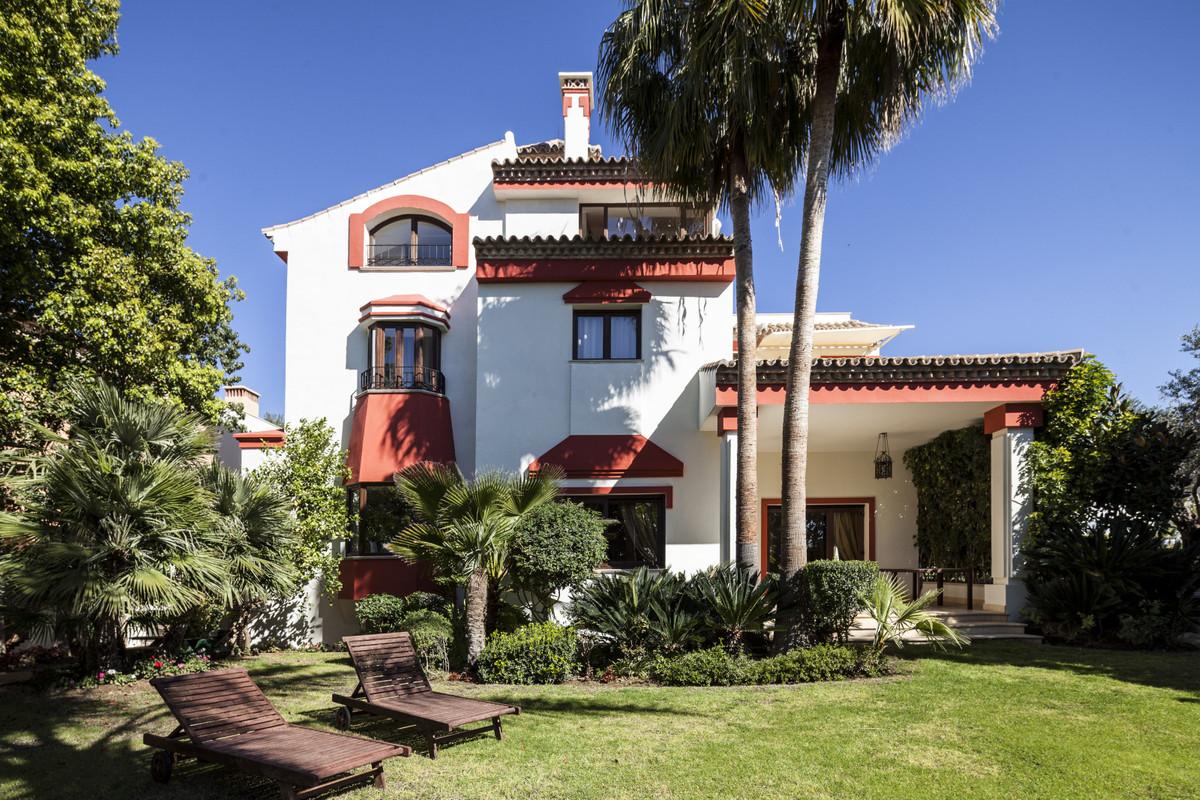 Villa à louer à Marbella - R3827485