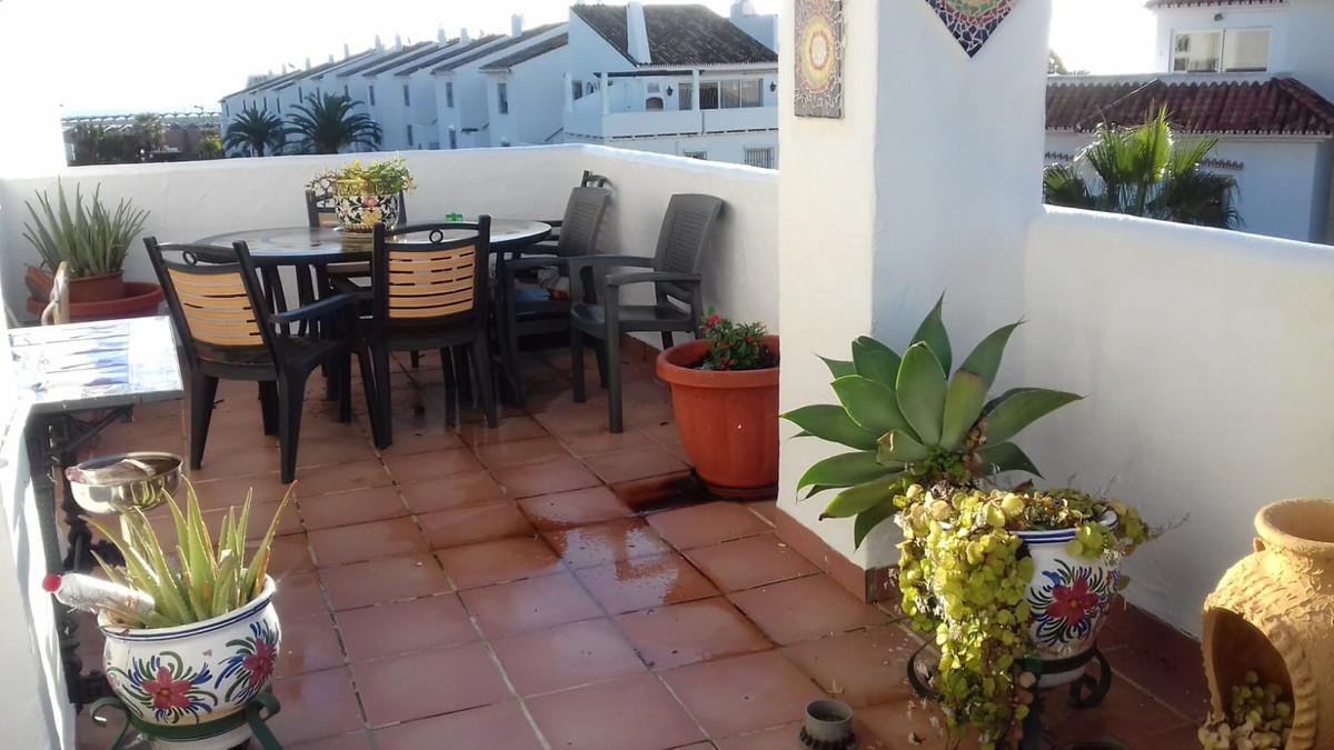 Marbella Banus Apartamento en Venta en Nueva Andalucía – R3800488