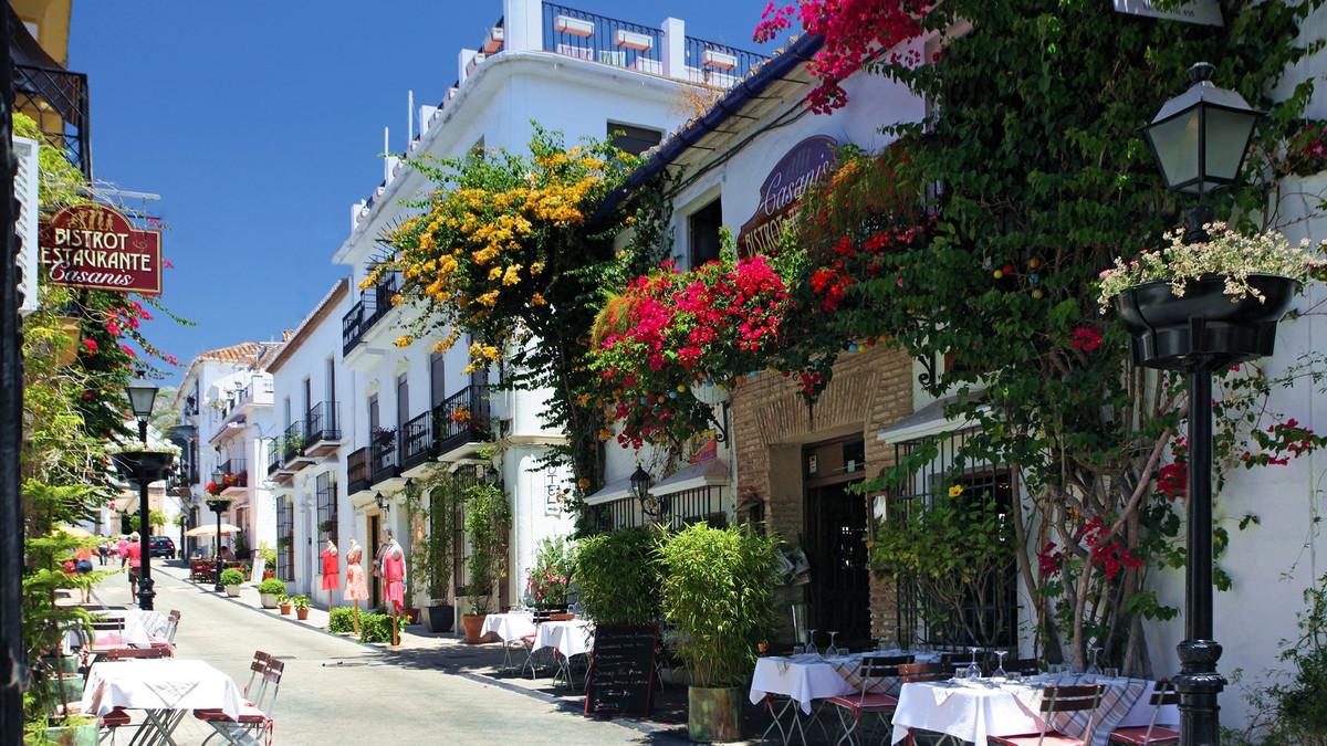 Marbella Banus Adosado en Venta en Marbella – R3106466