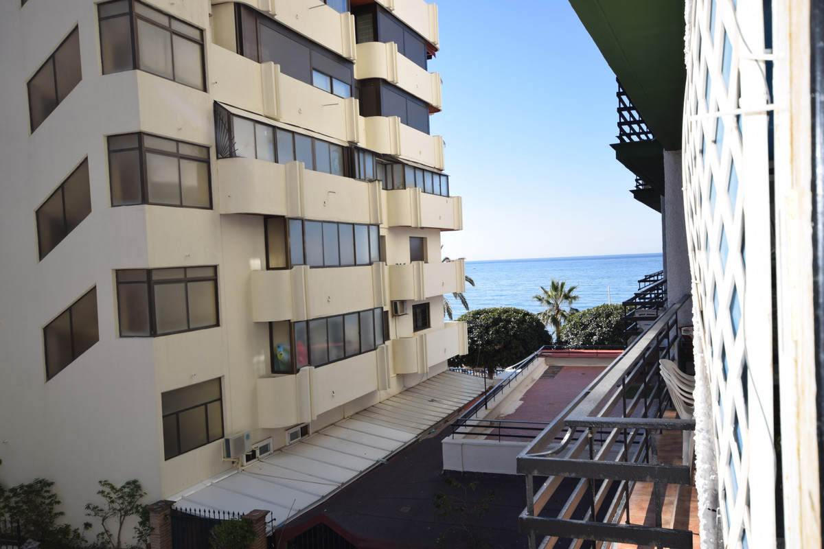 Middle Floor Studio  for sale in  Marbella, Costa del Sol