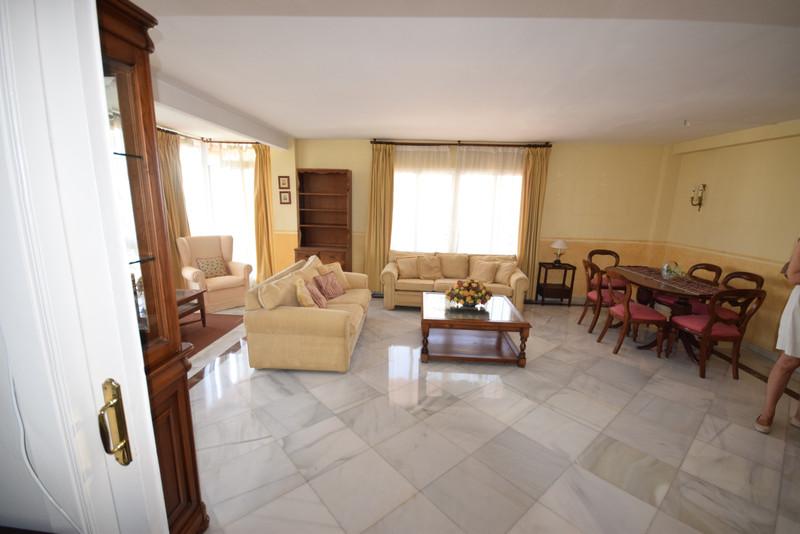 Apartamento Planta Media en venta en Marbella – R3457387
