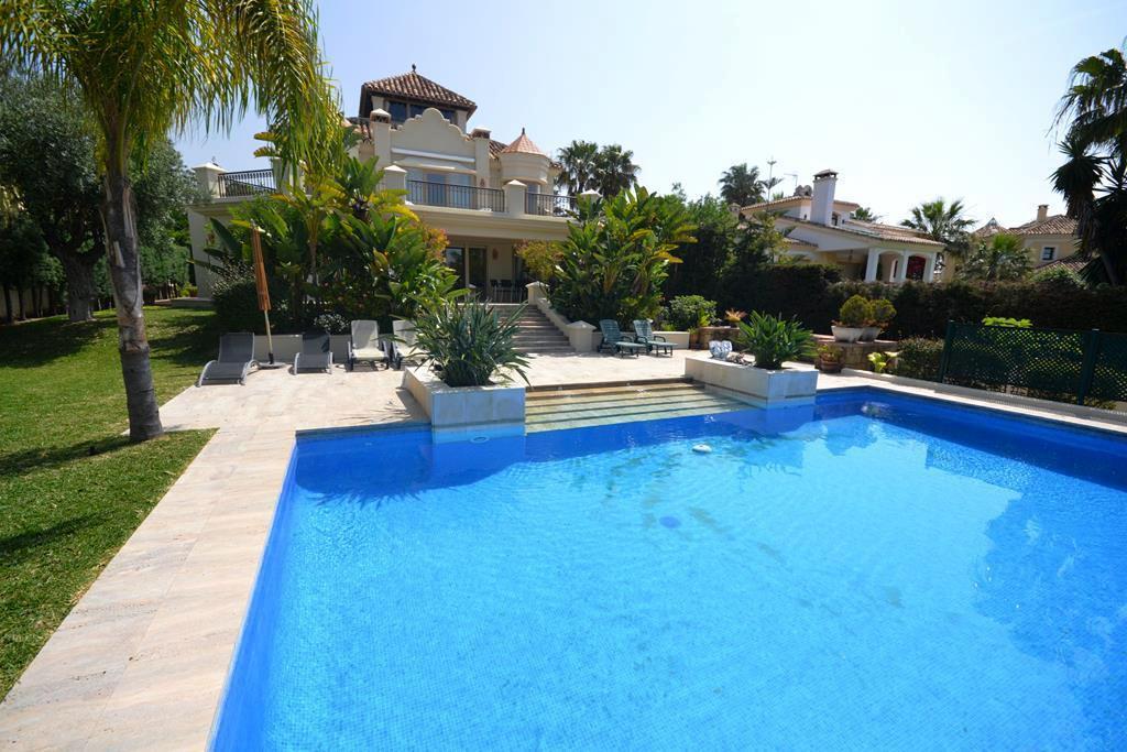 Marbella Banus Villa – Chalet en Venta en Las Chapas – R2681123