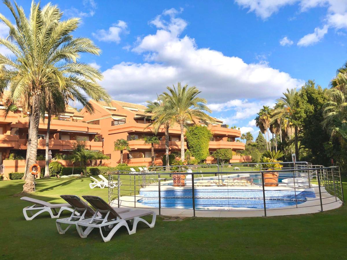 Marbella Banus Apartamento en Venta en Puerto Banús – R3804931