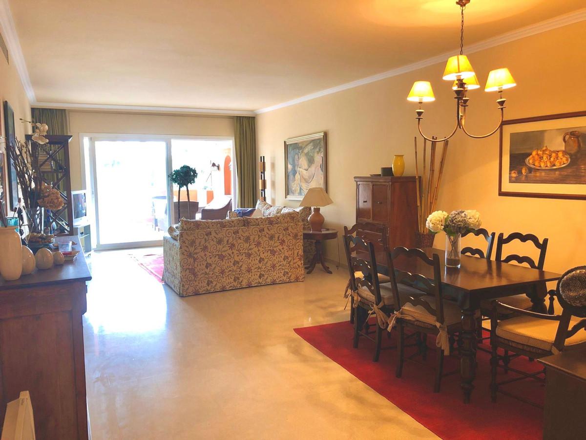Wohnung zu verkaufen in Puerto Banus - R3804931