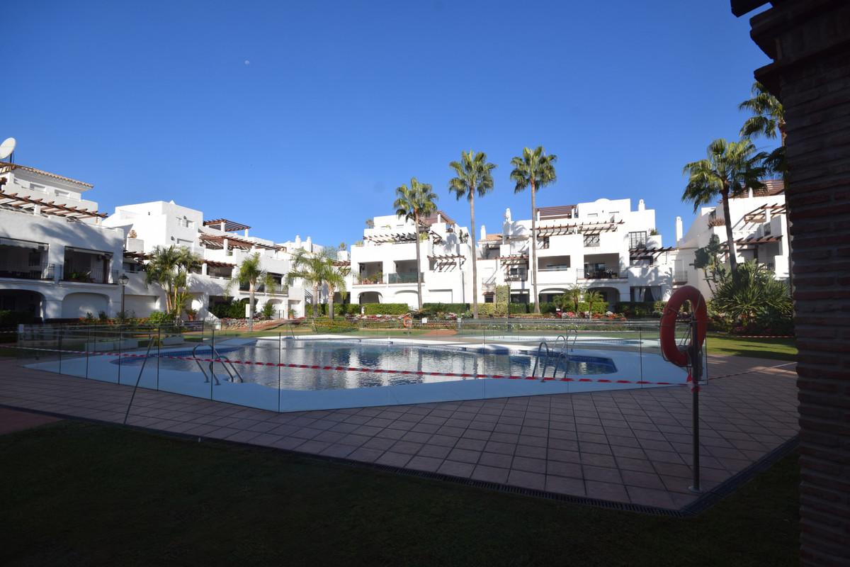 Marbella Banus Apartamento en Venta en San Pedro de Alcántara – R3730795