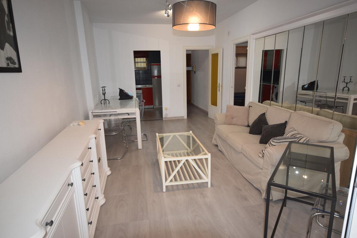 Marbella Banus Apartamento  en Alquiler en Marbella – R3719492
