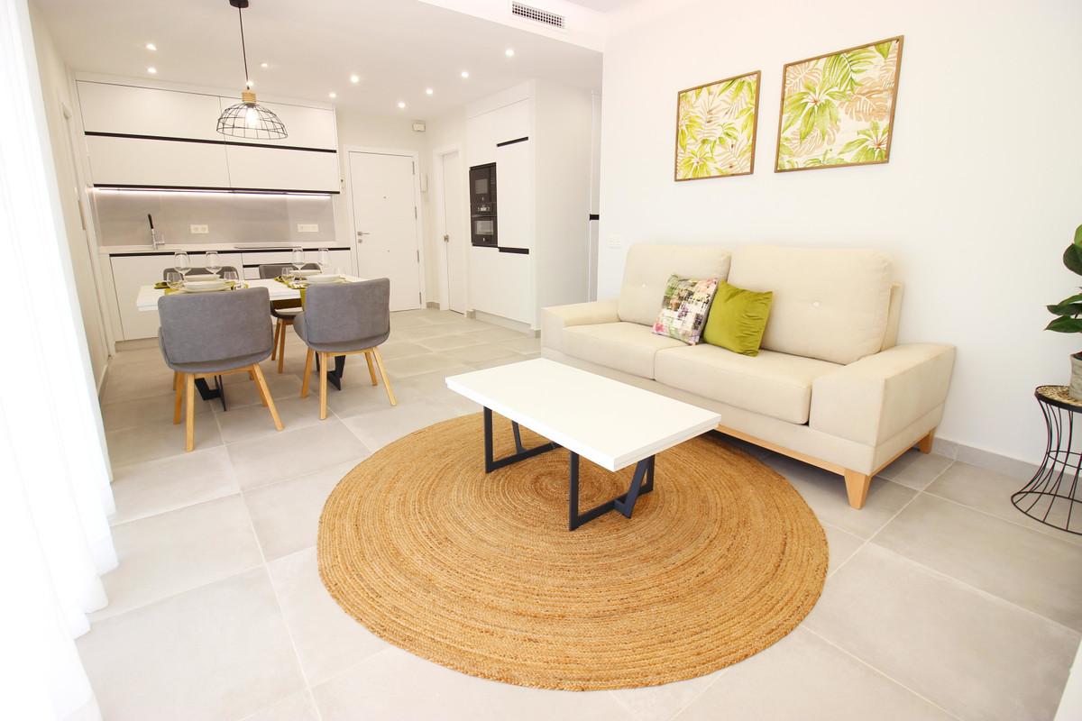Marbella Banus Medium Floor Apartment for sale in Marbella – R3646859