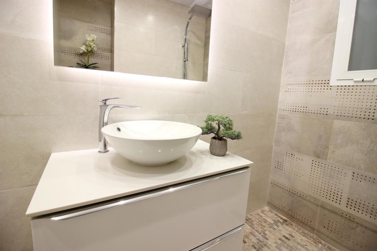 Apartamento Planta Media en Venta en Marbella – R3646859