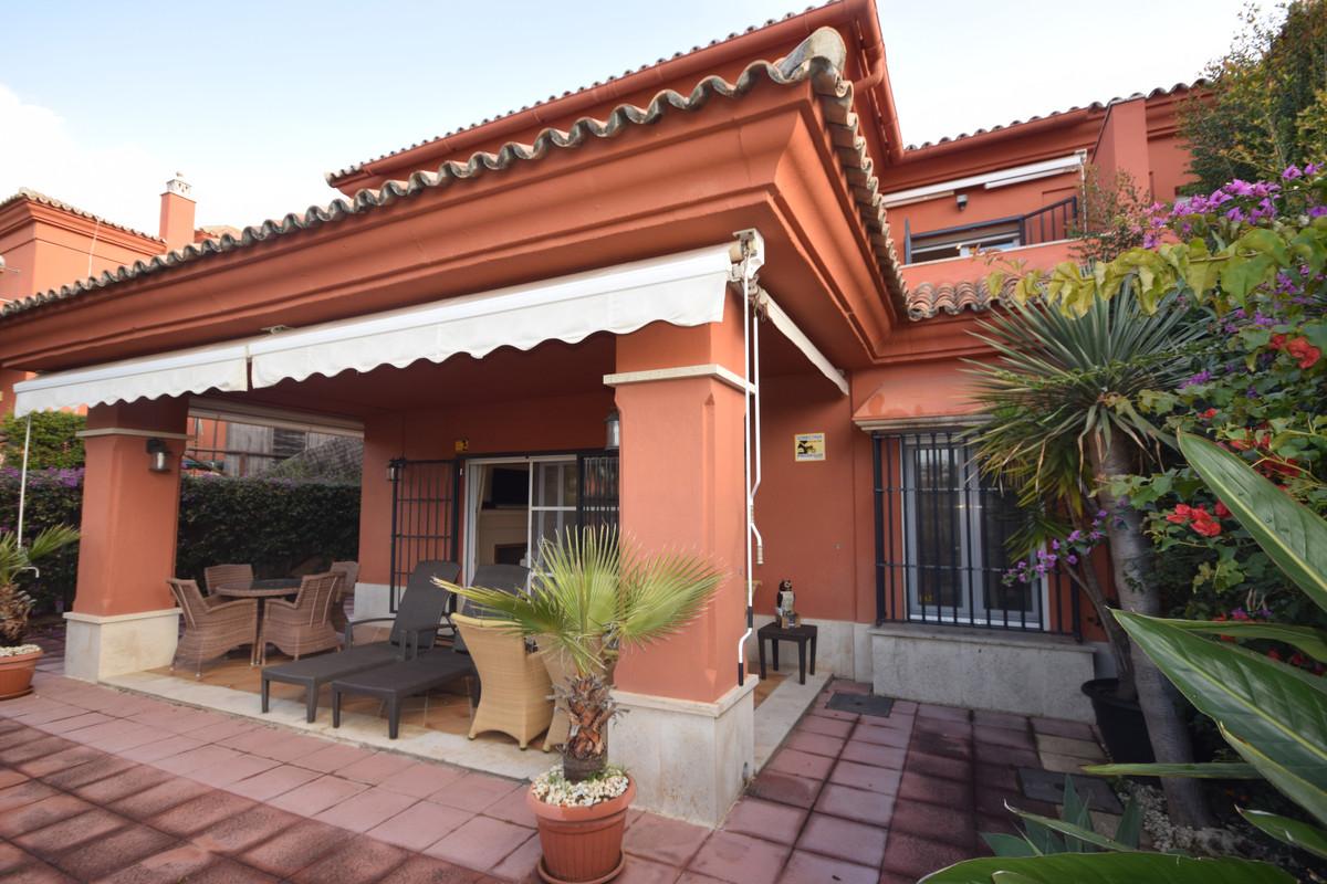 Marbella Banus Pareado en Venta en Marbella – R3784309