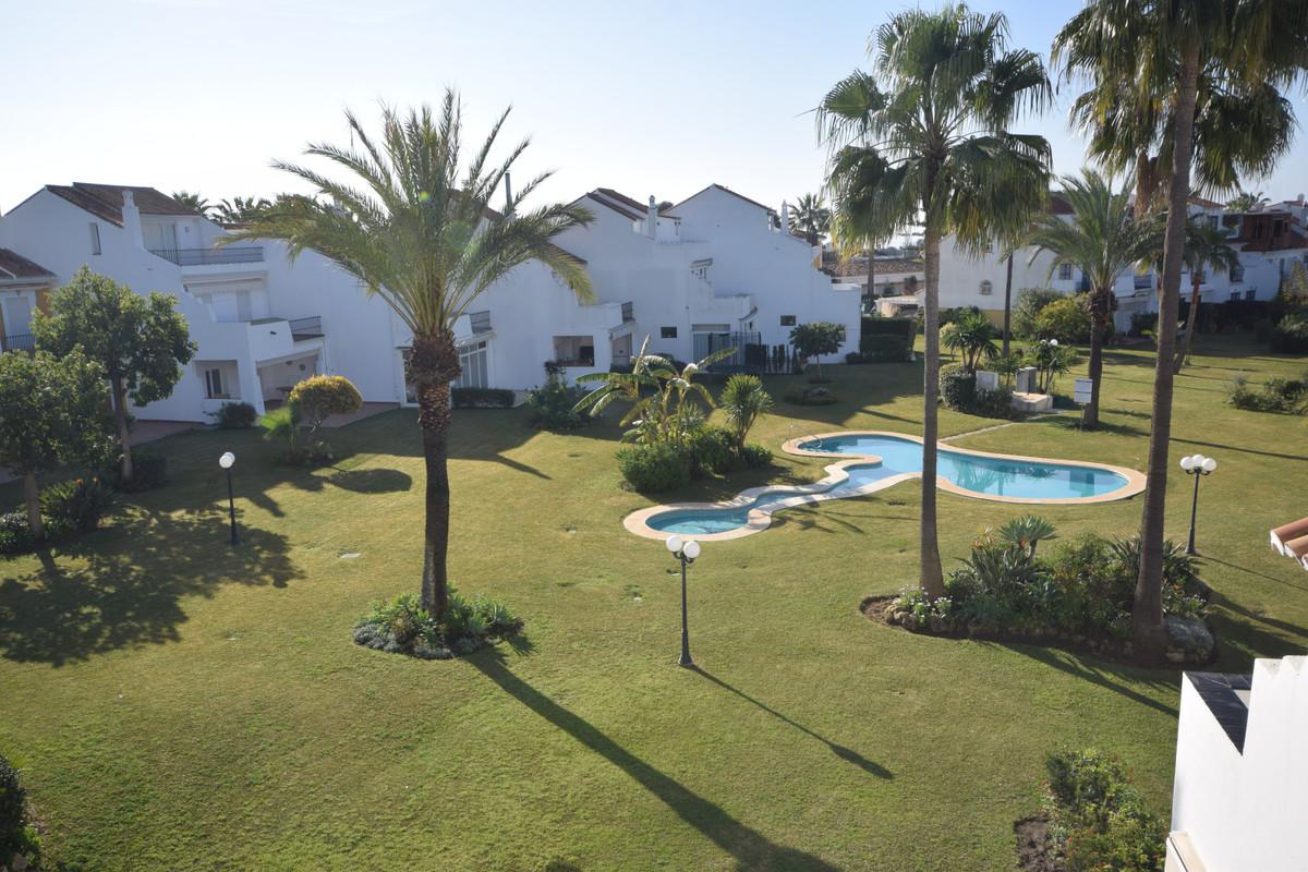 Marbella Banus Townhouse à vendre à Atalaya - R3805333
