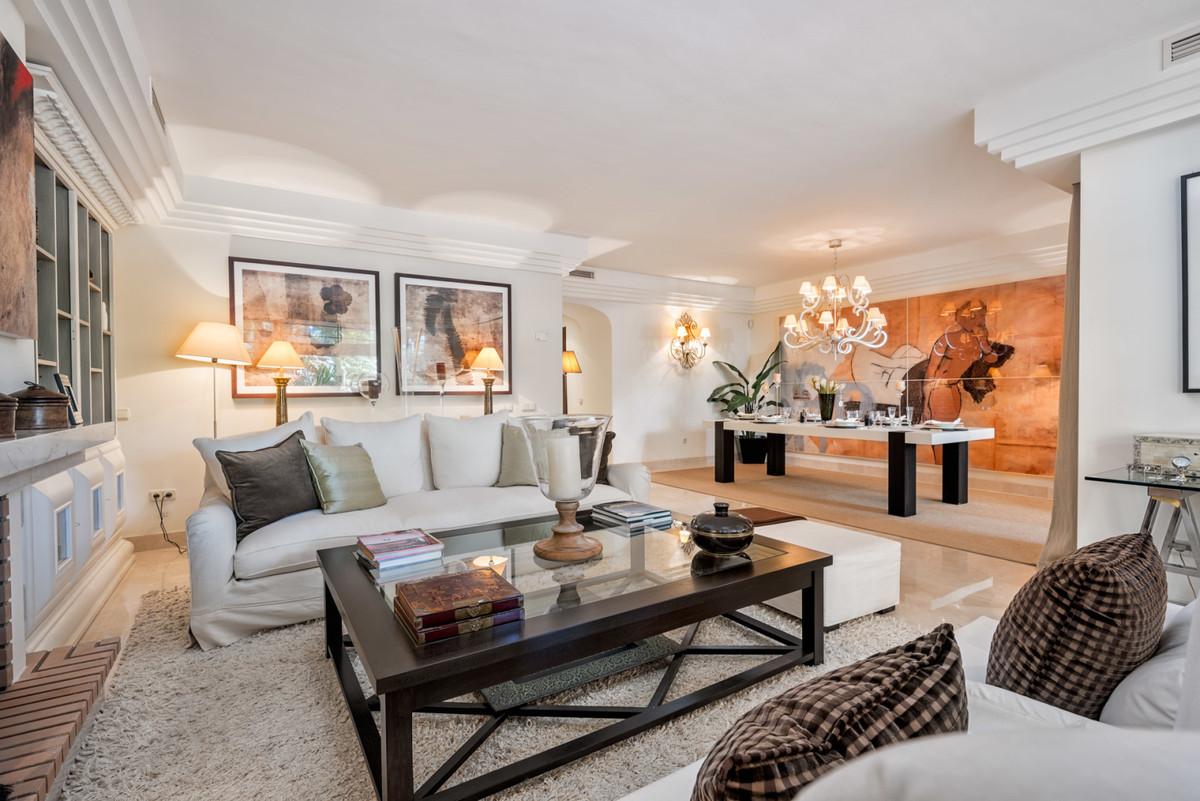 Wohnung zu verkaufen in Puerto Banus - R3738097