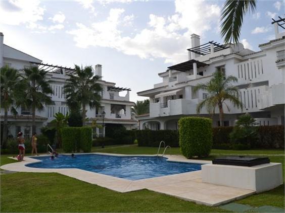 Marbella Banus Apartamento en Venta en Nueva Andalucía – R2000541