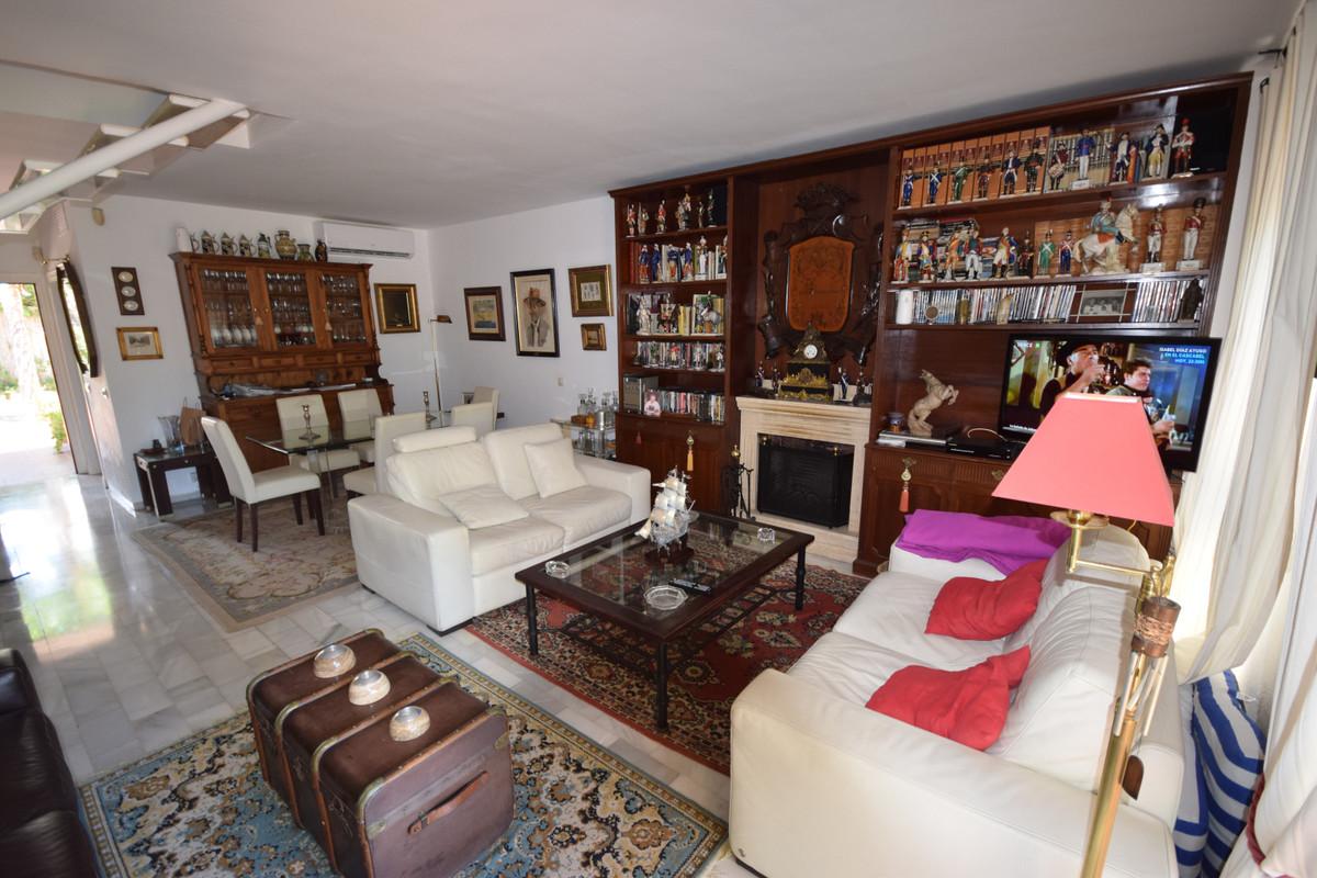 Adosada  en venta en  Nueva Andalucía, Costa del Sol – R3431803
