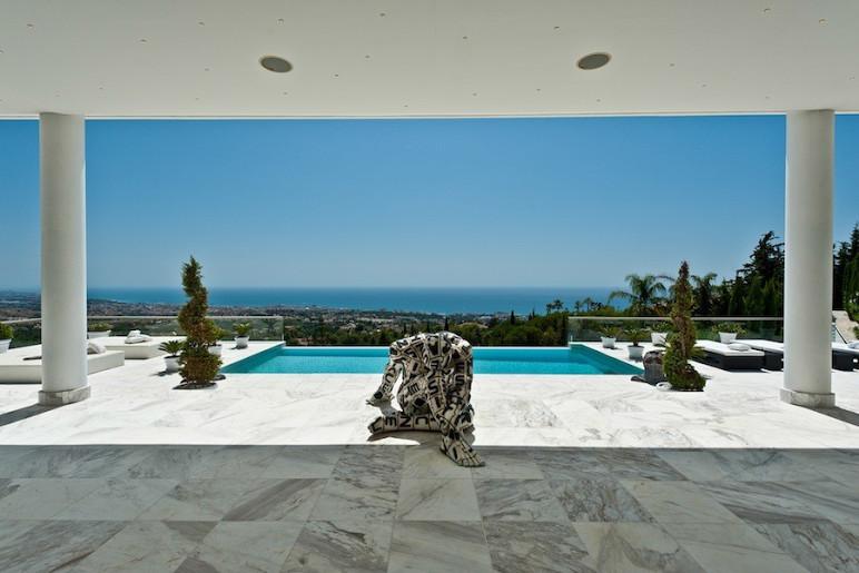Villa  en Alquiler en Sierra Blanca – R2673515