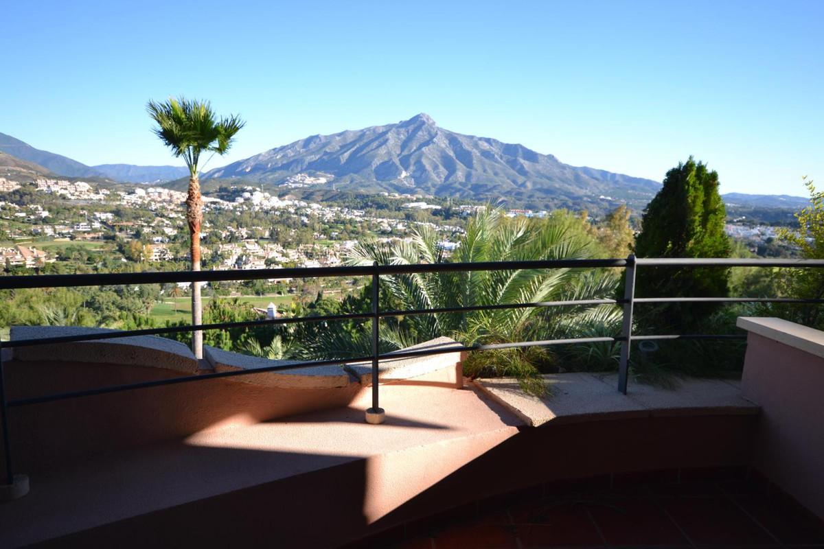 Marbella Banus Apartment for Holiday Rentals in Nueva Andalucia - R2550470
