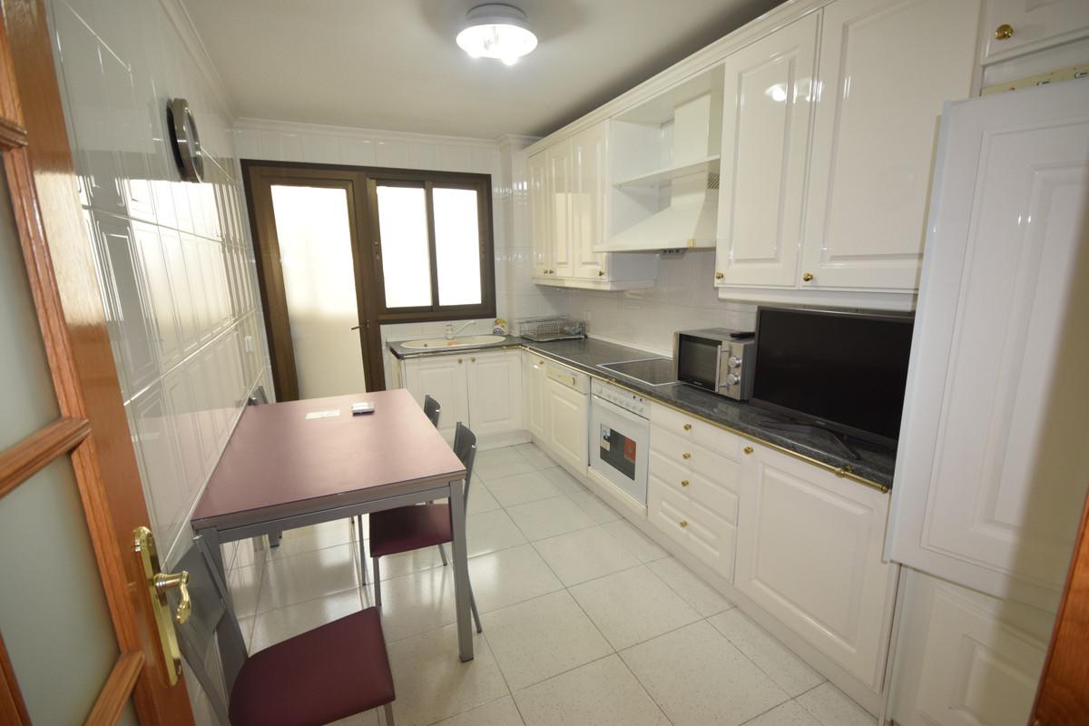 Marbella Banus Apartamento Planta Media en Alquiler en Marbella – R3719096