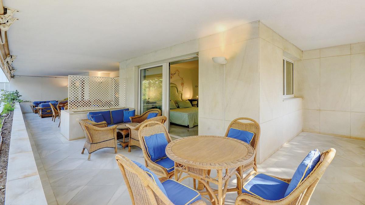 Apartment for Sale in Marbella – R3738841