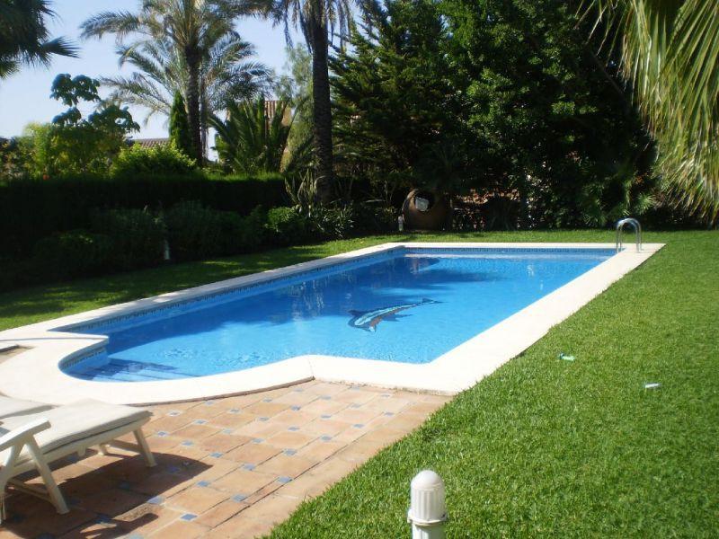 Villa – Chalet en Alquiler Vacacional, Marbella – R720857