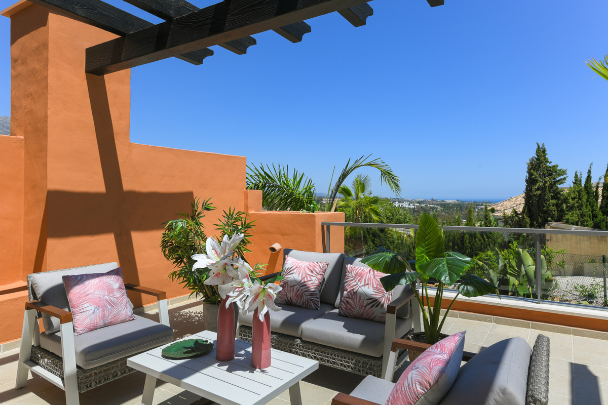 Apartamento en Venta en Nueva Andalucía – R2677145