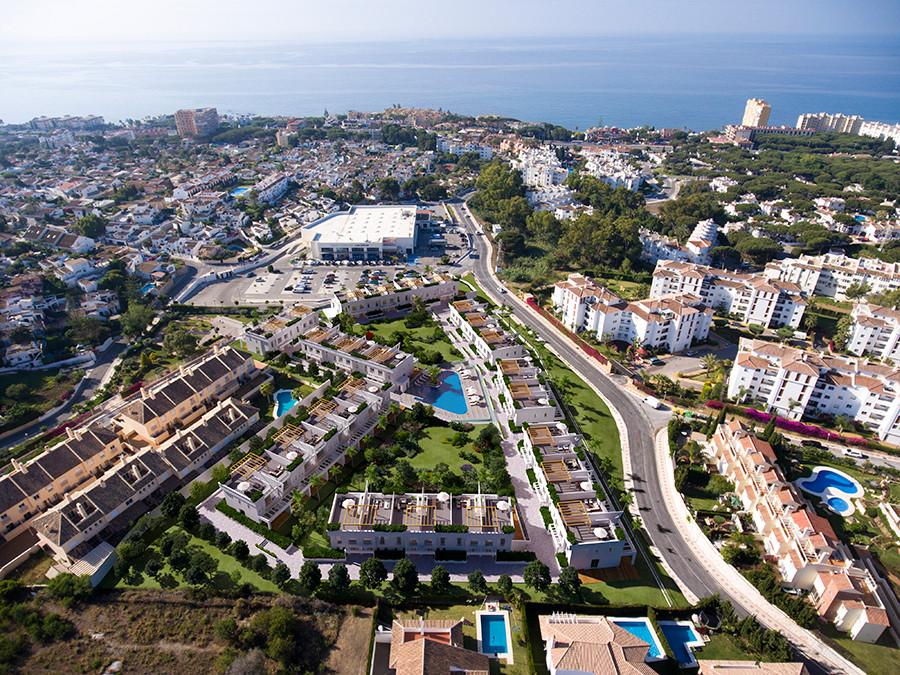 Marbella Banus Adosado en Venta en Calahonda – R2777345