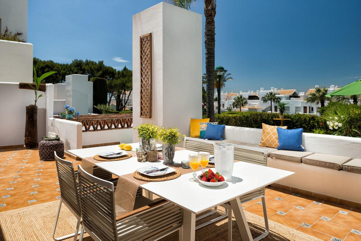 Apartamento Planta Baja  en venta en  Marbella, Costa del Sol – R3401221