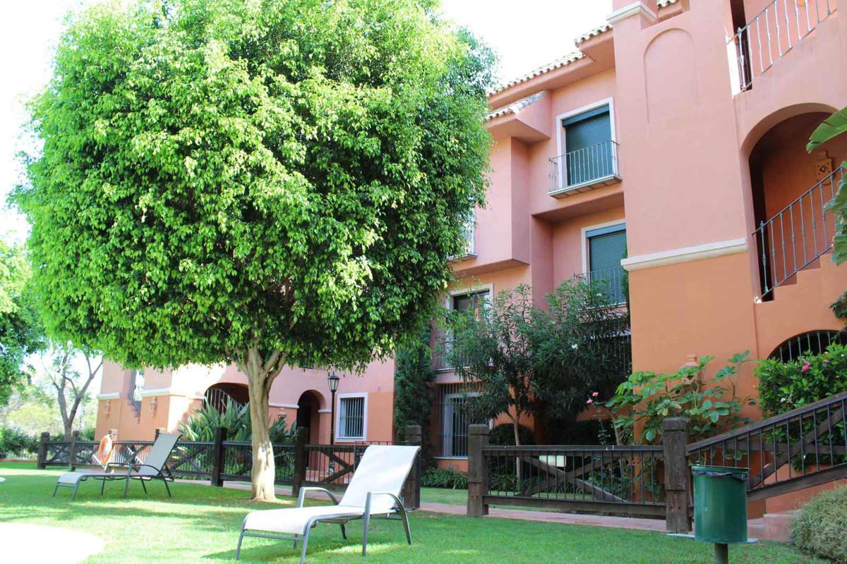 Apartamento Planta Media  en venta en  Benahavís, Costa del Sol – R2679899