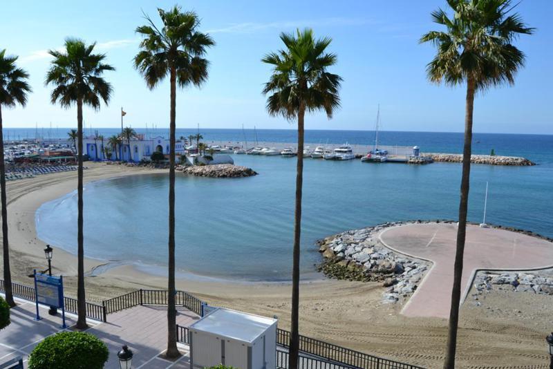 Marbella Banus Apartamento Planta Media en Alquiler en Marbella – R720023