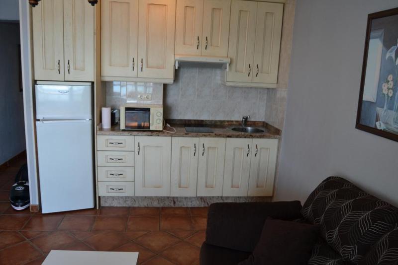 Apartamento Planta Media  en alquiler en  Marbella, Costa del Sol – R720023