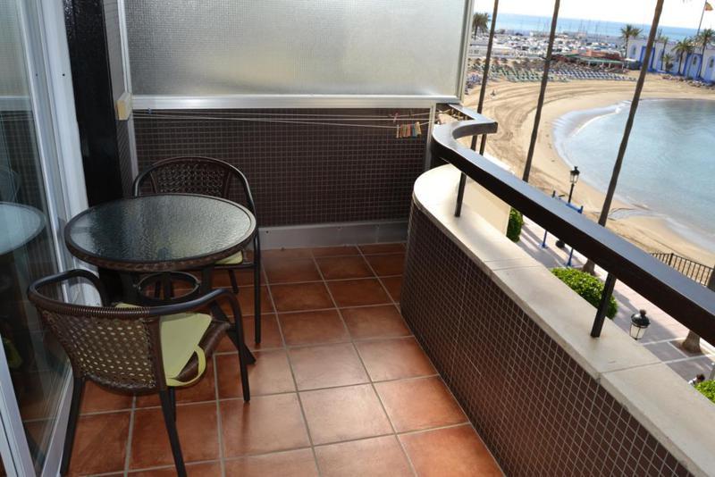 Apartamento  en Alquiler en Marbella – R720023