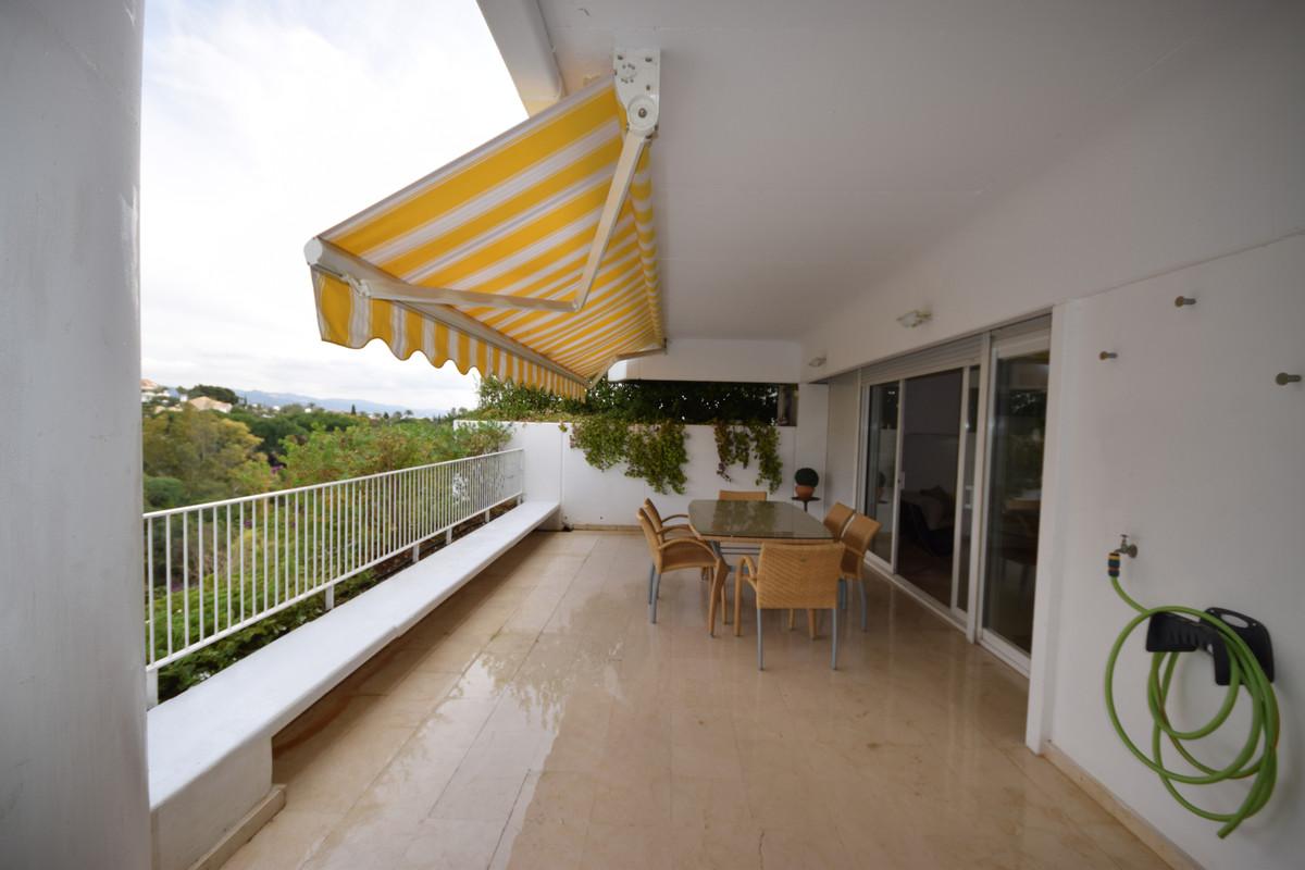 Ático  en venta en  Marbella, Costa del Sol – R3341422