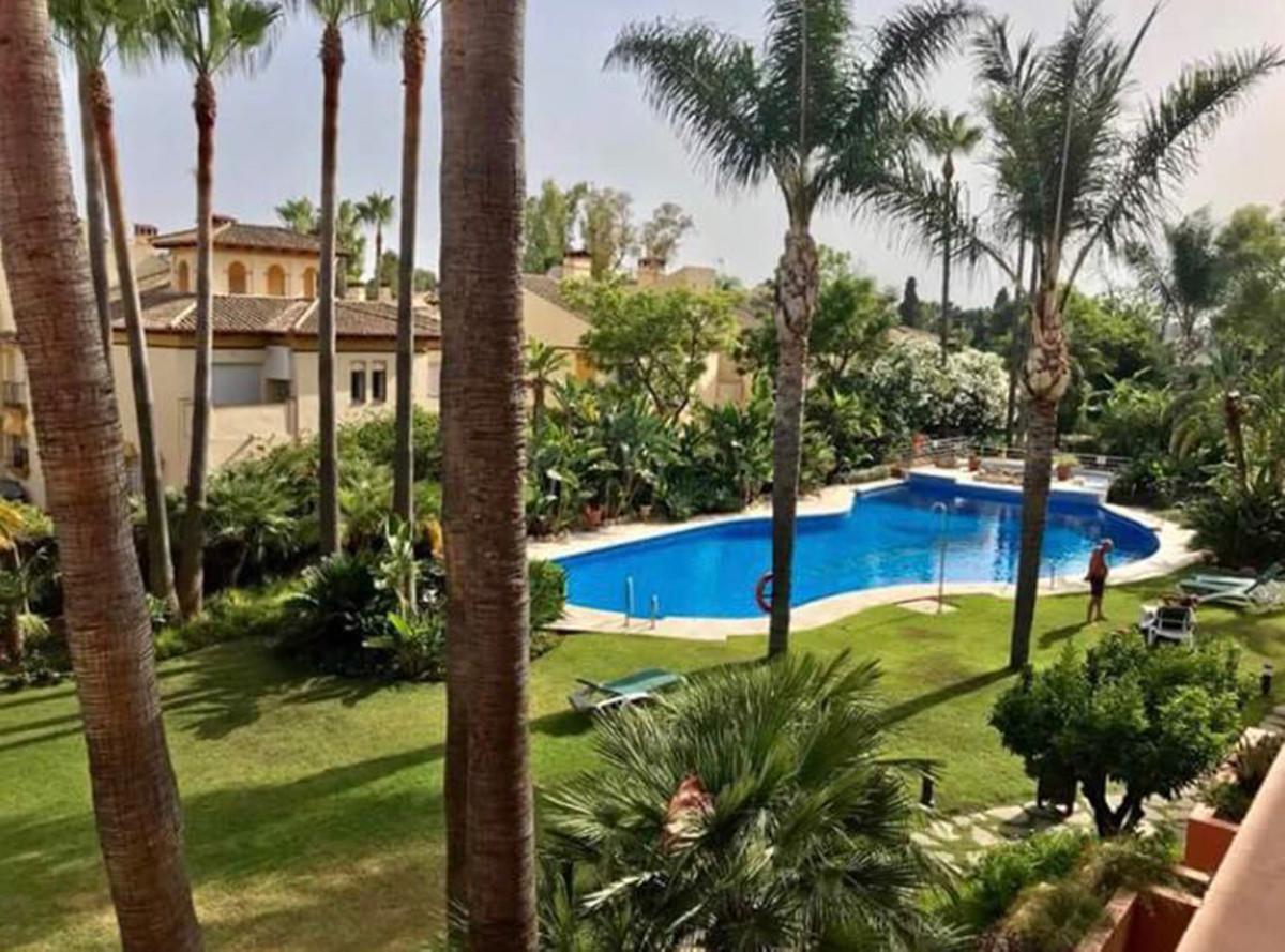 Marbella Banus Apartamento Planta Media en Venta en Nueva Andalucía – R3366640