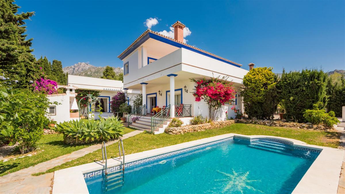 Marbella Banus Villa en Venta en Marbella – R3357862