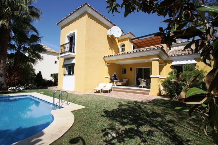Marbella Banus Villa – Chalet en Alquiler en Marbella – R721115
