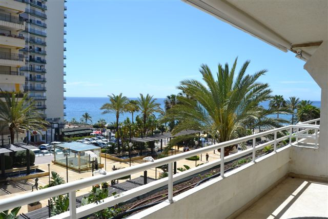 Moyen Appartement à louer étage, Marbella - R763609