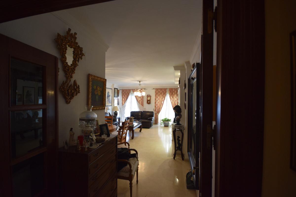 Apartamento Planta Media  en venta en  Marbella, Costa del Sol – R3378625