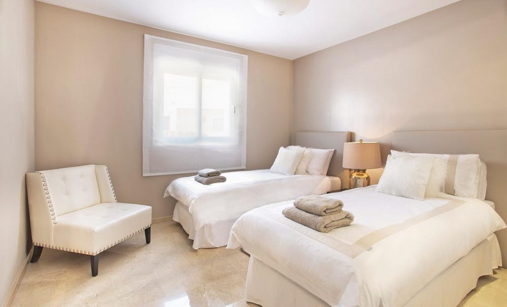 Apartamento Planta Baja  en venta en  Aloha, Costa del Sol – R2981456