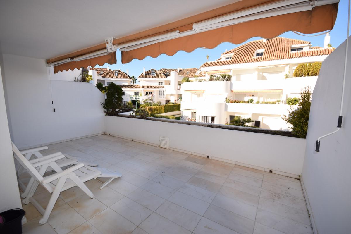 Apartamento Planta Media  en venta en  Marbella, Costa del Sol – R3352735