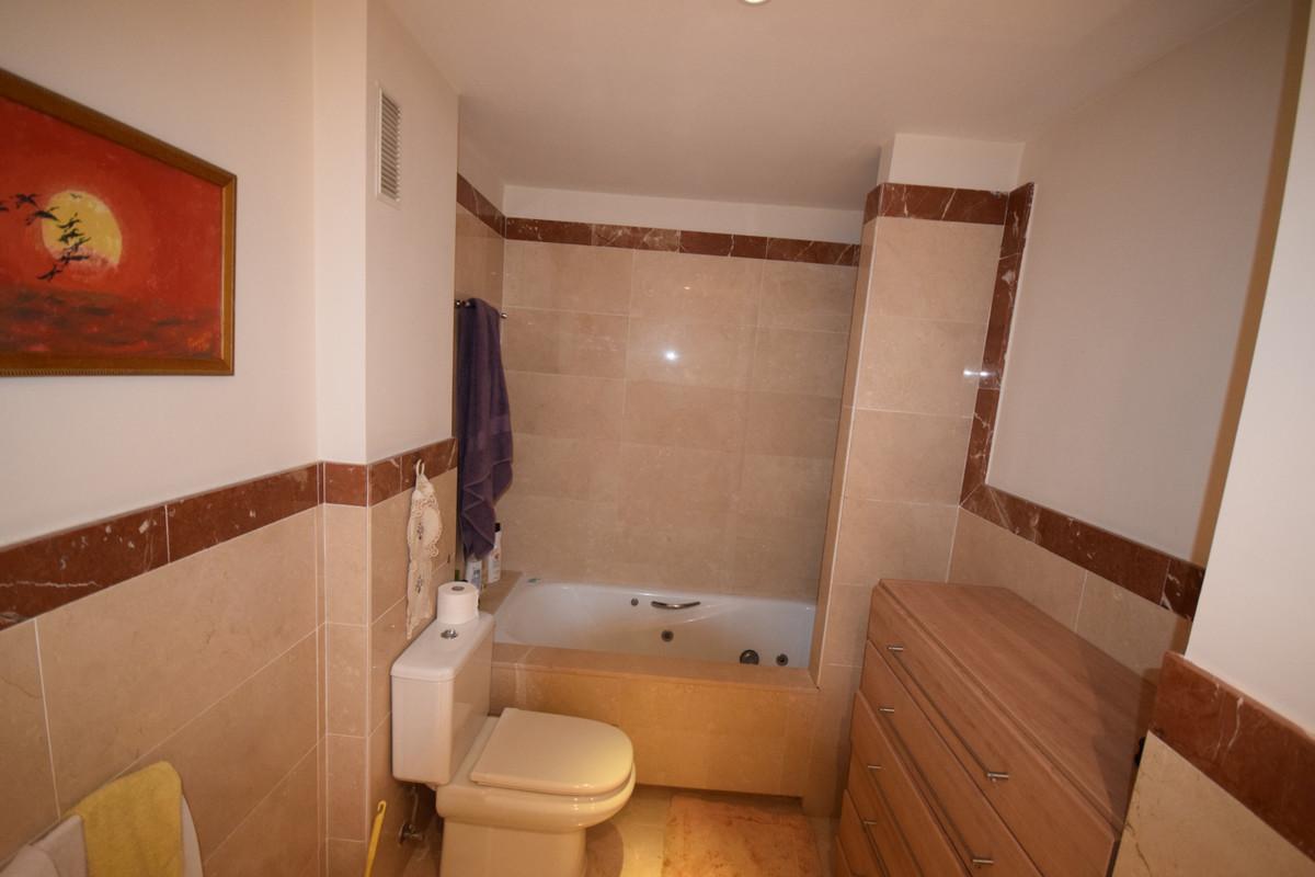 Apartamento en Planta Última  en venta en  Marbella, Costa del Sol – R3437929
