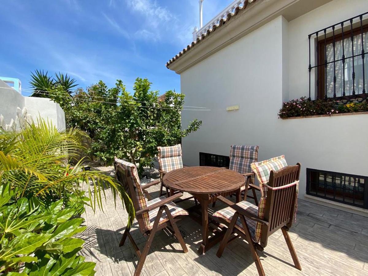 Villa - Chalet  en venta en  Las Chapas, Costa del Sol – R2218691