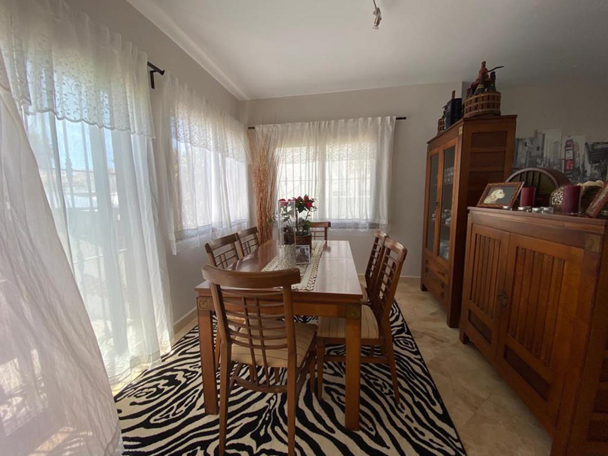 Villa en Venta en Las Chapas – R2218691