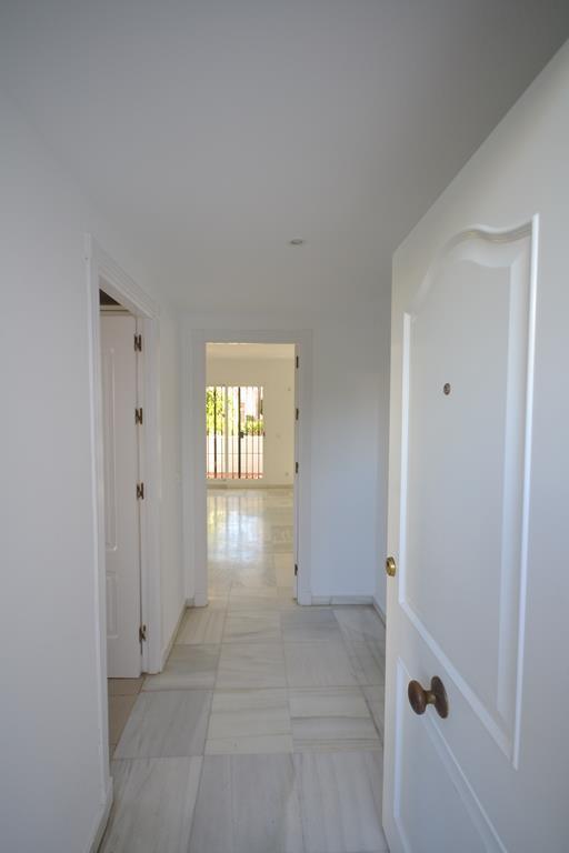 Apartamento Planta Baja  en venta en  Nueva Andalucía, Costa del Sol – R2849174