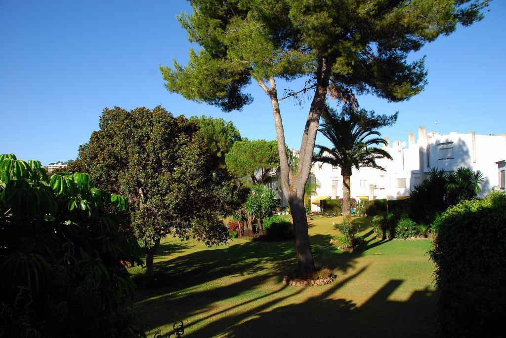 Adosada  en alquiler en  Nueva Andalucía, Costa del Sol – R2979965