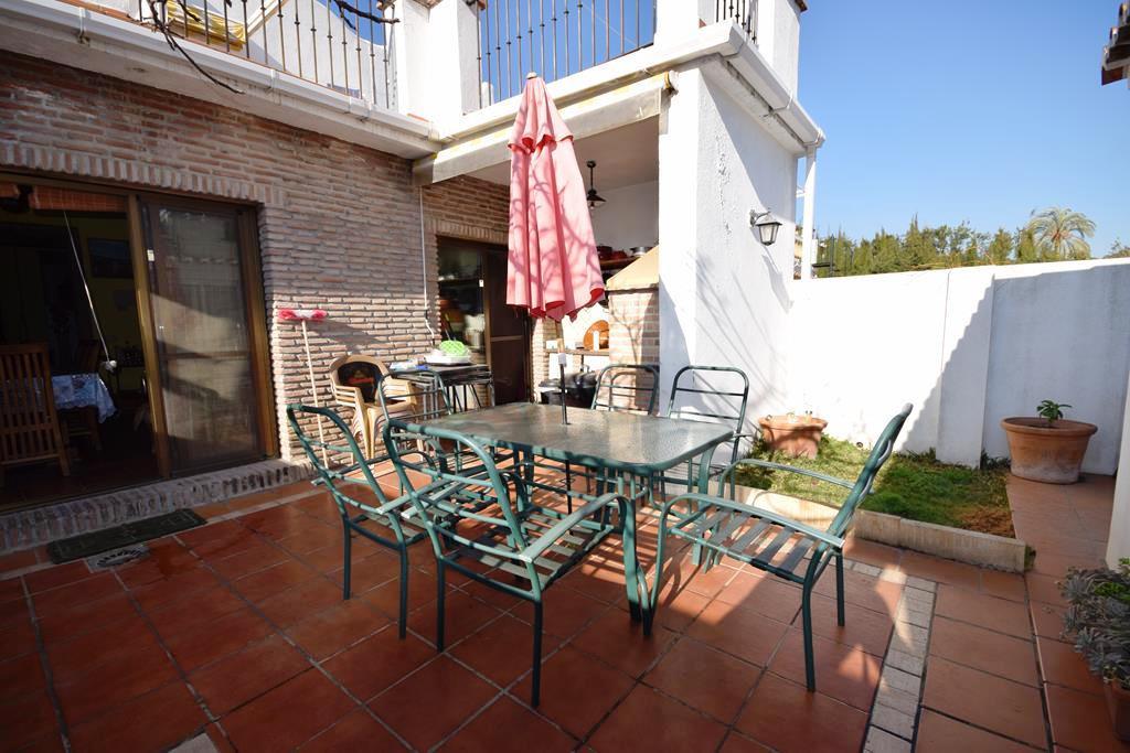 Adosada  en venta en  Nueva Andalucía, Costa del Sol – R3116743