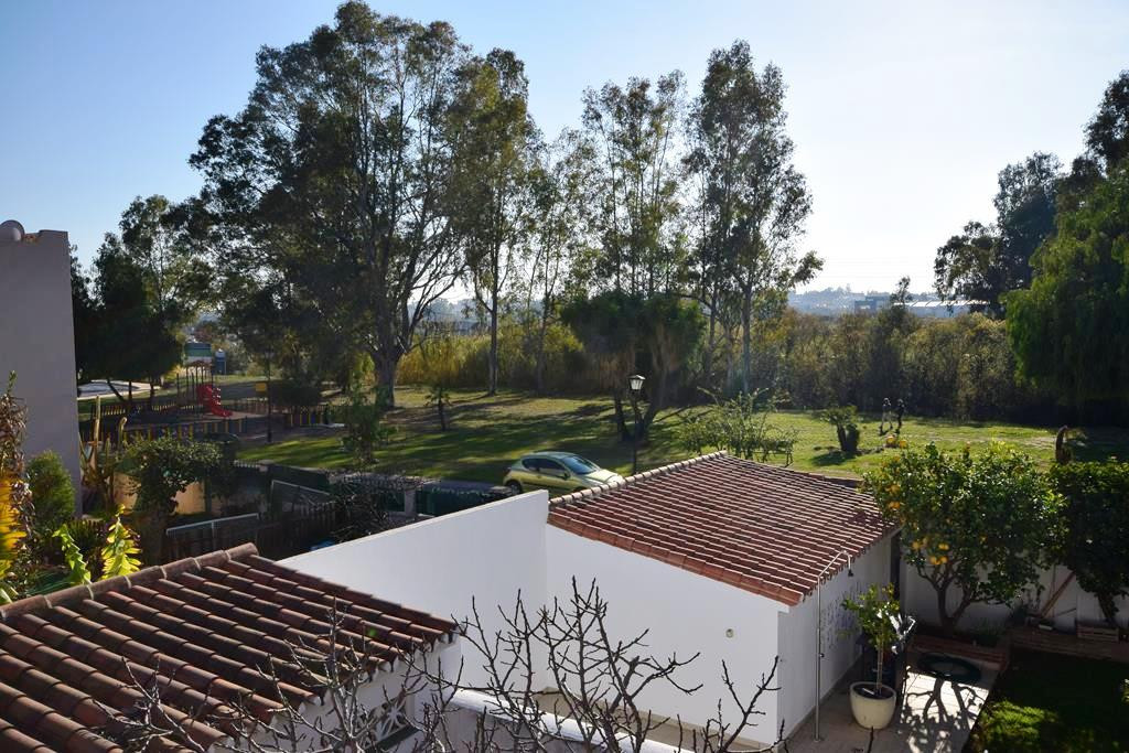 Townhouse  for sale in  Nueva Andalucía, Costa del Sol